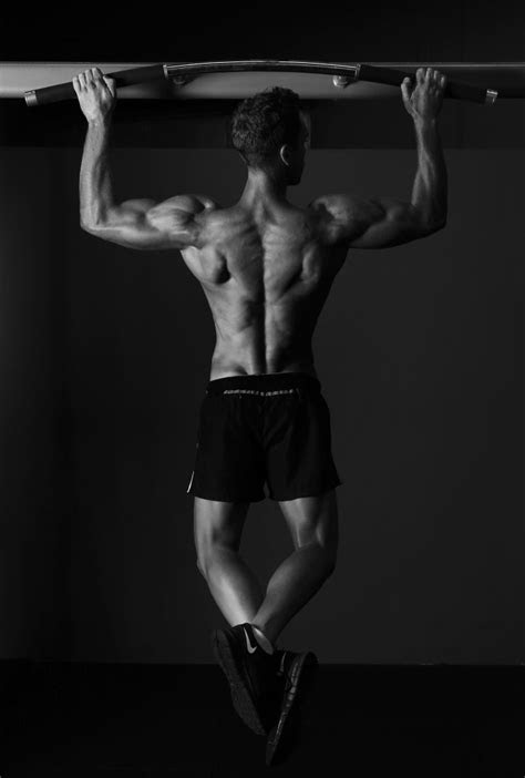 Weighted Pull Ups: The Badass Back Exercise For Strength
