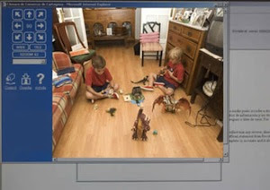 Exemplo de monitoramento de pais monitorando seus filhos enquanto trabalham (Foto: Reprodução / Blogspot.com.br)