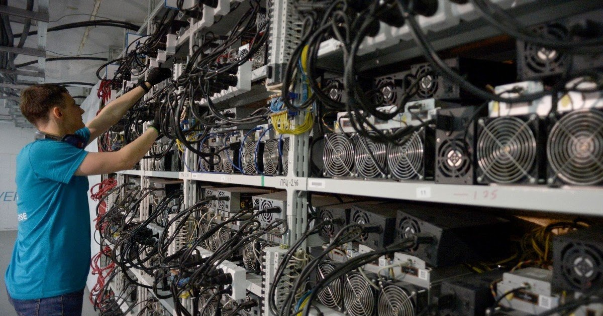 building a cryptocurrency mining machine