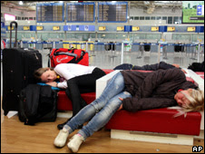 Passengers wait for flights at Athens airport (11 March 2010)