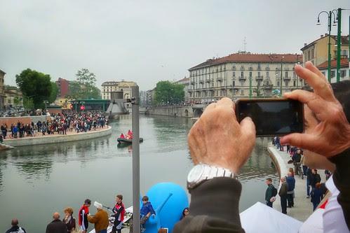Inizia lo show fotografico della #Darsena by Ylbert Durishti