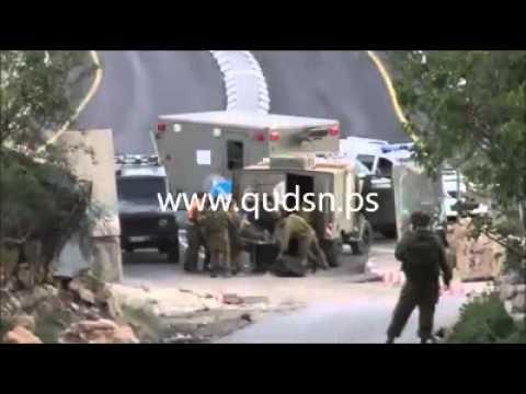 بالفيديو : انقلاب جيب لجيش الاحتلال واخلاء المصابين ببلدة الخضر ببيت لحم