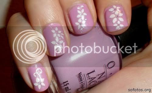 Unhas lilas decoradas