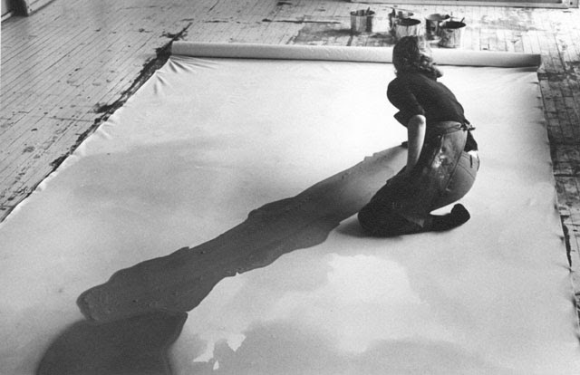 http://www.thebohmerian.com/wp-content/uploads/2011/12/Jewish-American-abstract-expressionist-painter-and-artist-Helen-Frankenthaler-photographed-working-in-her-new-york-studio-by-Austrian-photographer-Ernst-Haas-2.jpg
