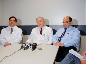 Dr. Paraná, hepatologista, Jackson Noya, clínico geral, e Jorge Bastos, cirurgião (Foto: Ruan Melo/G1)