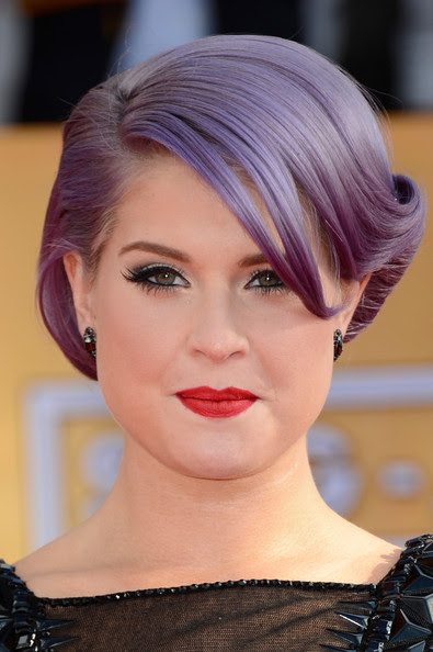 TV personality Kelly Osbourne arrives at the 19th Annual Screen Actors Guild Awards held at The Shrine Auditorium on January 27, 2013 in Los Angeles, California.