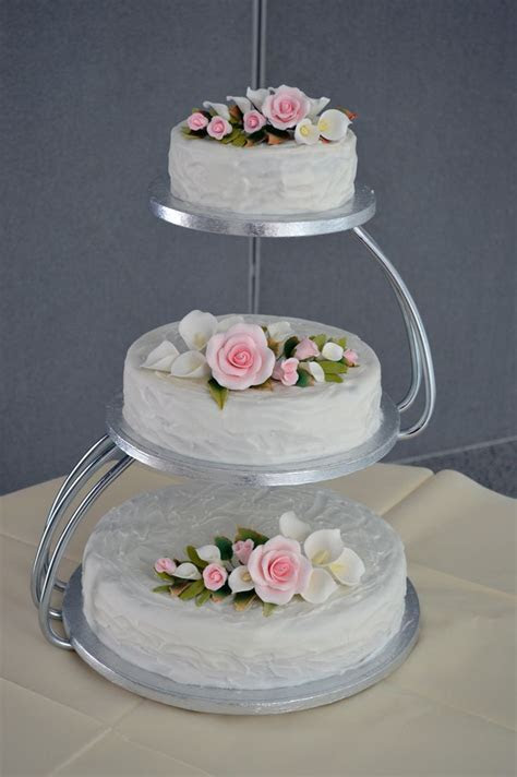 17 Best ideas about Tiered Wedding Cakes on Pinterest