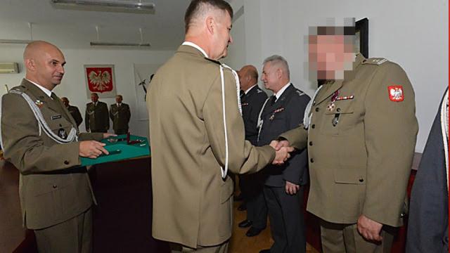 Amator sztuki ze złotym medalem za służbę. Ppłk Zbigniew J. szpiegował dla Rosji?