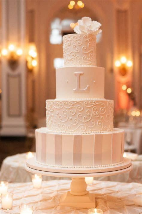 Best 25  Ivory wedding cake ideas on Pinterest