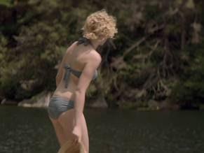 Julia Garner Nude Pics (@Tumblr)   Top 12 Hottest