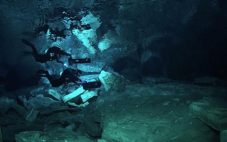A maior caverna subaquática da Rússia 01