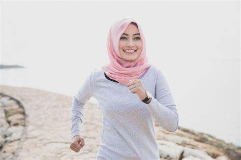gaya hijab  sporty  stylish  berolahraga