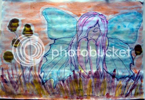 donna farfalla ali celesti