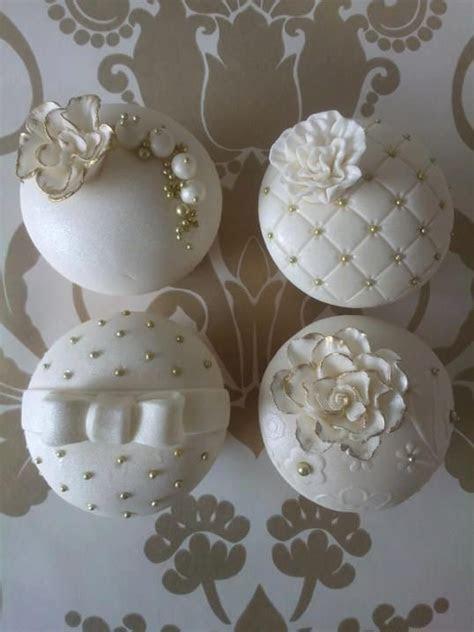 Best 25  White wedding cupcakes ideas on Pinterest