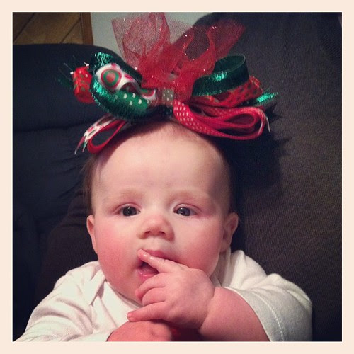 the bigger the bow, the better the mom! :)