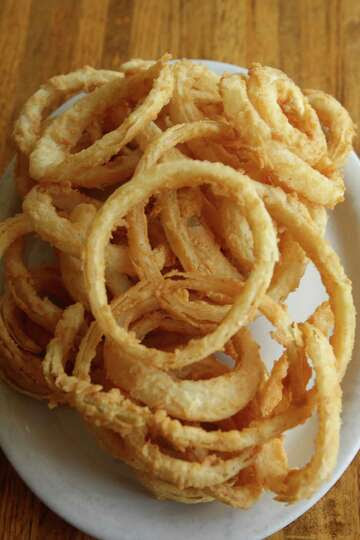a 1.5-ounce serving of Burger King Onion Rings (151 ...