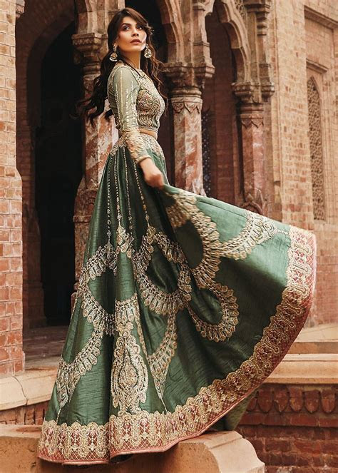 Latest Bridal Lehenga Designs 2019 in Pakistan   StyleGlow.com