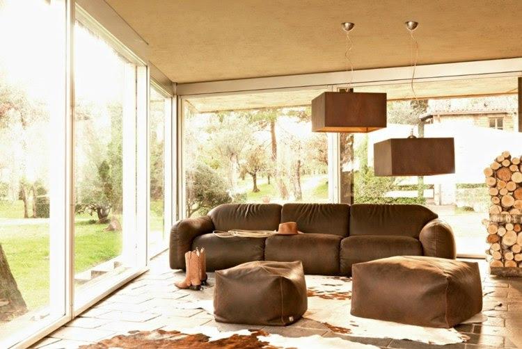Deko Ideen: Wohnzimmer Ideen mit brauner Couch für ein ...