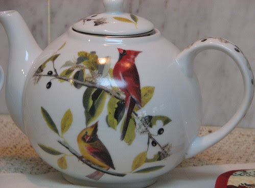 Porcelain Teapot with infuser