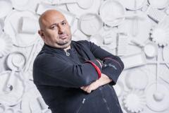 """Chef Cătălin Scărlătescu, juratul emisiunii """"Chefi la cuţite"""":""""Românul gătește bine, dar mânâncă prea mult"""""""
