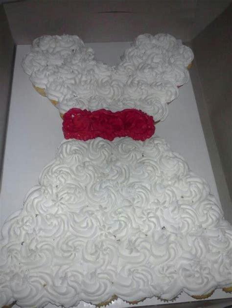 41 best Bridal shower cakes images on Pinterest   Petit
