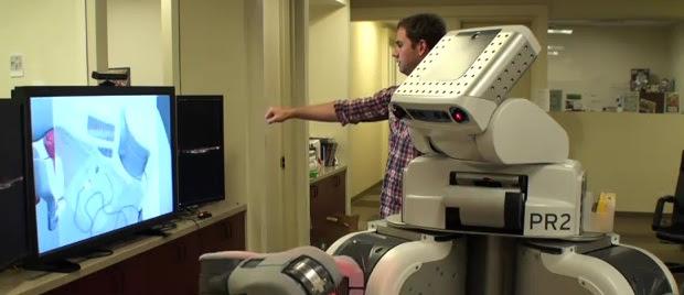 PR2 robot and Kinect