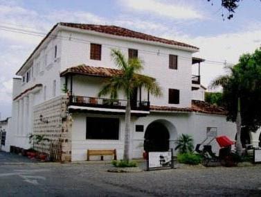 Hotel Mariscal Robledo Reviews
