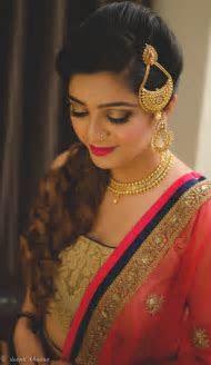 Unique Ways to Wear A Jhoomar At Your Wedding, Mehendi