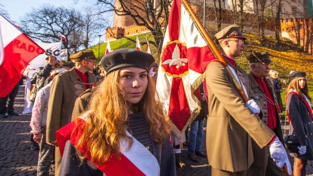 """""""Toast za Niepodległą"""", bieg, defilada, marsz. Dzisiaj Święto Niepodległości"""