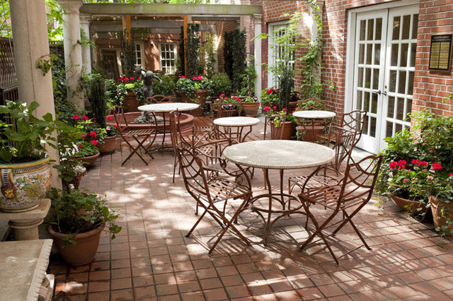 Enchanting Courtyard Patio Ideas Pictures - Best Image Home Interior ...