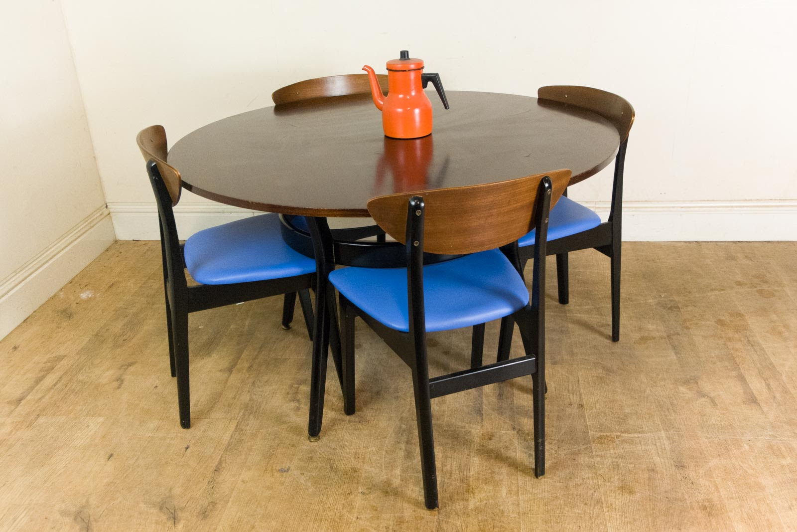 Vintage Retro G Plan Tola and Black Librenza Dining Table and 4 Butterfly Chairs