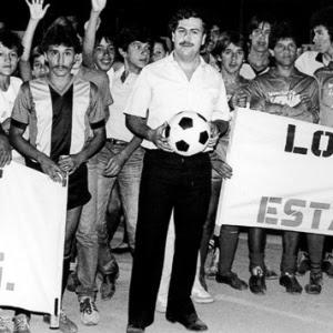 Pablo Escobar, morto em 1993, exigia passar noites com as adolescentes virgens de Medellin