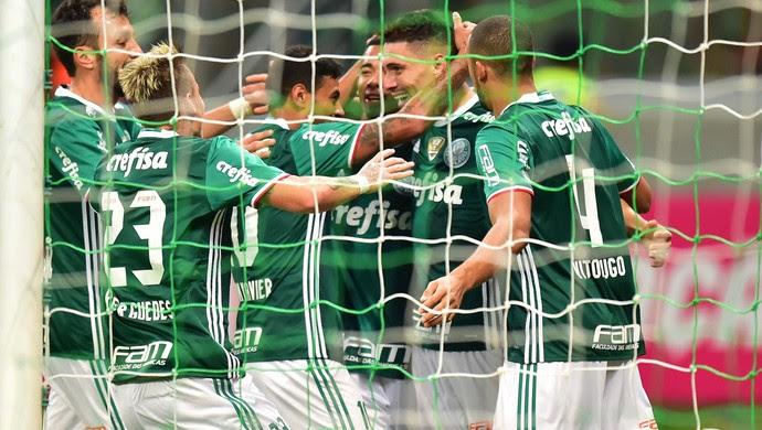 Moisés Palmeiras x Figueirense (Foto: Marcos Ribolli)