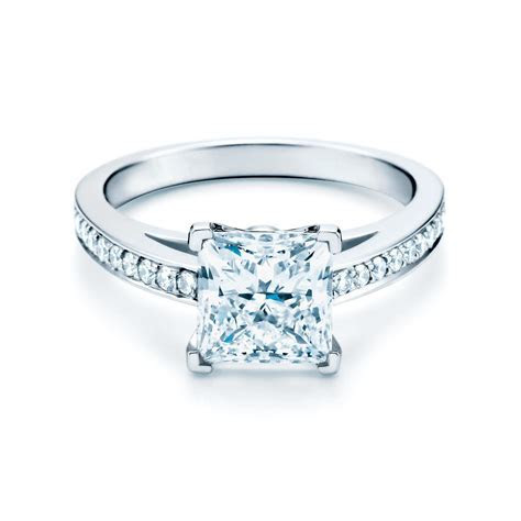 Etoile platinum and diamond engagement ring and band