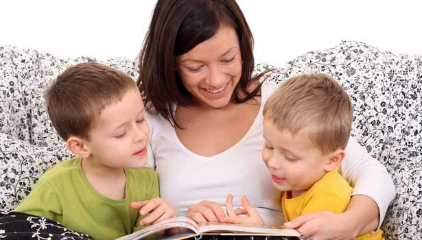 குழந்தைகள் கதை கேட்பது திறமையை வளர்க்கும்