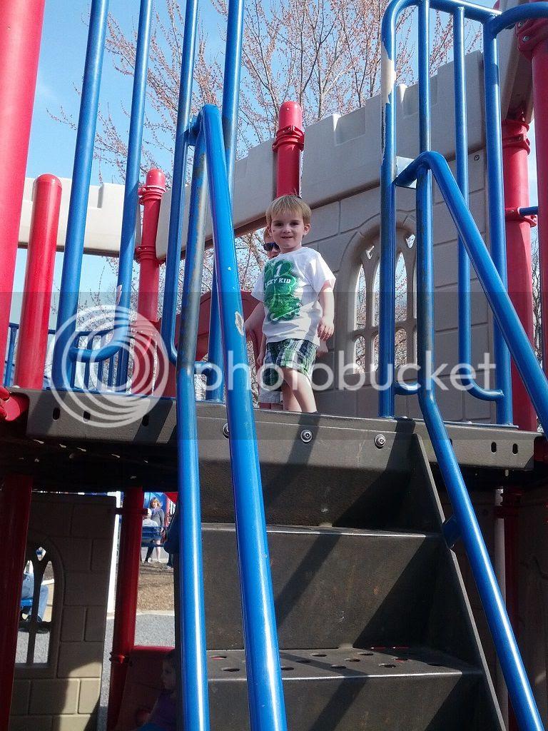 photo park1_zpsb7ae43e7.jpg