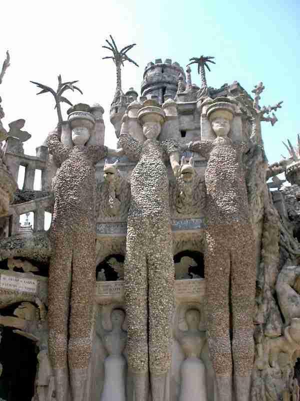 """Το """"Ιδανικό Παλάτι"""" του ταχυδρόμου από τη Γαλλία"""