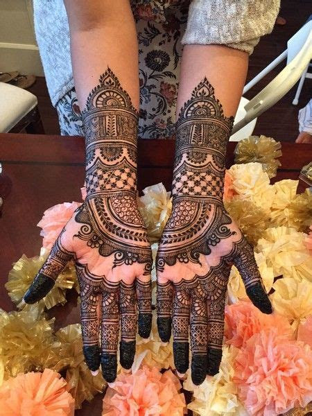 Half hand Bridal Mehndi Design   Photo Gallery