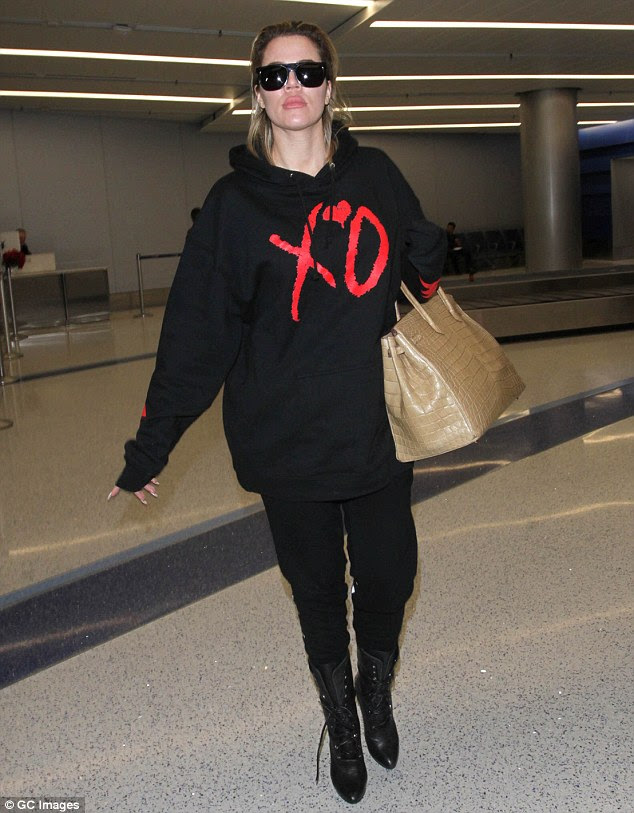 Shes A Woman In Love Khloe Kardashian Opts For Comfort As She