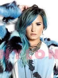Resultado de imagen para cabello azul  miley cyrus