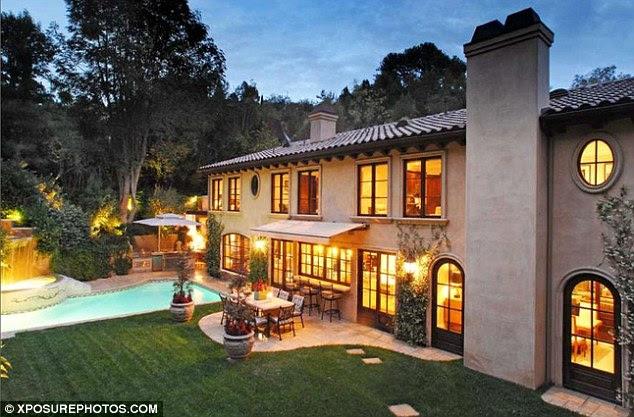 Kim Kardashian ev