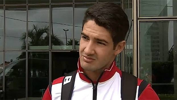 Pato responde Luis Fabiano: 'Não é o momento de criticar o colega'