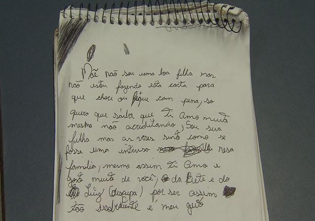 Bilhete que jovem fez pedindo desculpas a mãe (Foto: Reprodução/TV Tribuna)