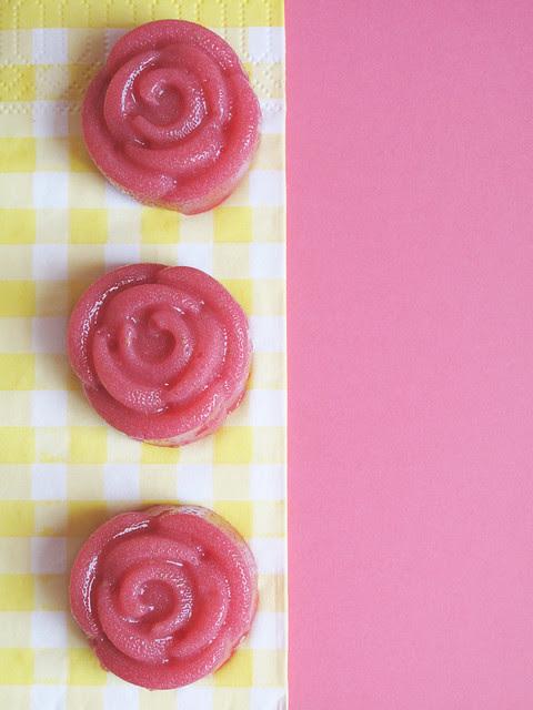 Gelatine alle fragole e sciroppo di rose 1