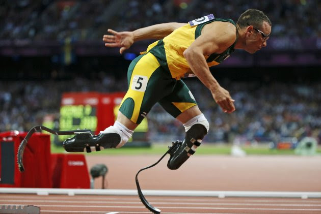 South Africa's Oscar Pistorius runs during his men's 400m semi-final at the London 2012 Olympic Games at the Olympic Stadium August 5, 2012.  REUTERS/Lucy Nicholson (BRITAIN  - Tags: SPORT ATHLETICS OLYMPICS)