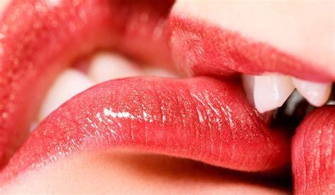 Download Hot Lip Kiss HD Wallpaper Gallery