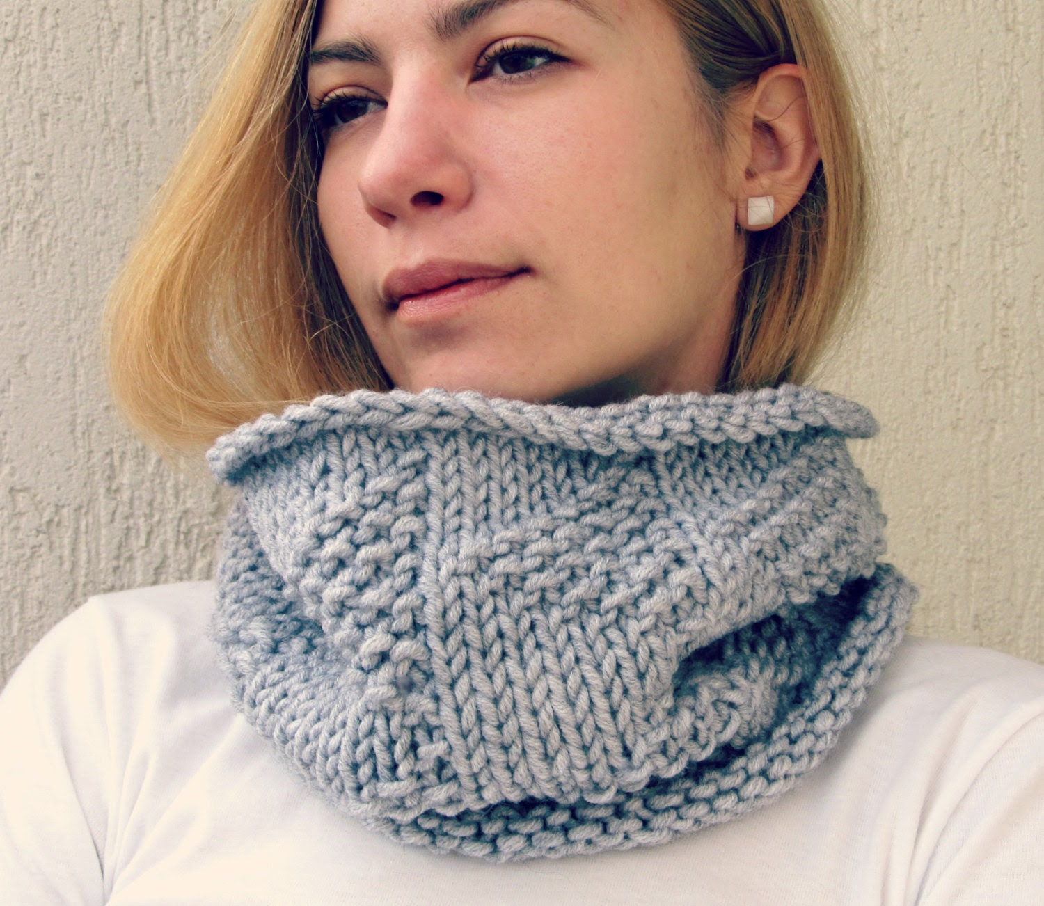 Grey Knit Scarf with triangles / Chunky Cowl tribal / Infinity Scarf Rust White Neckwarmer /  Tube Wrap/ Under 50/ Gift europeanstreettean