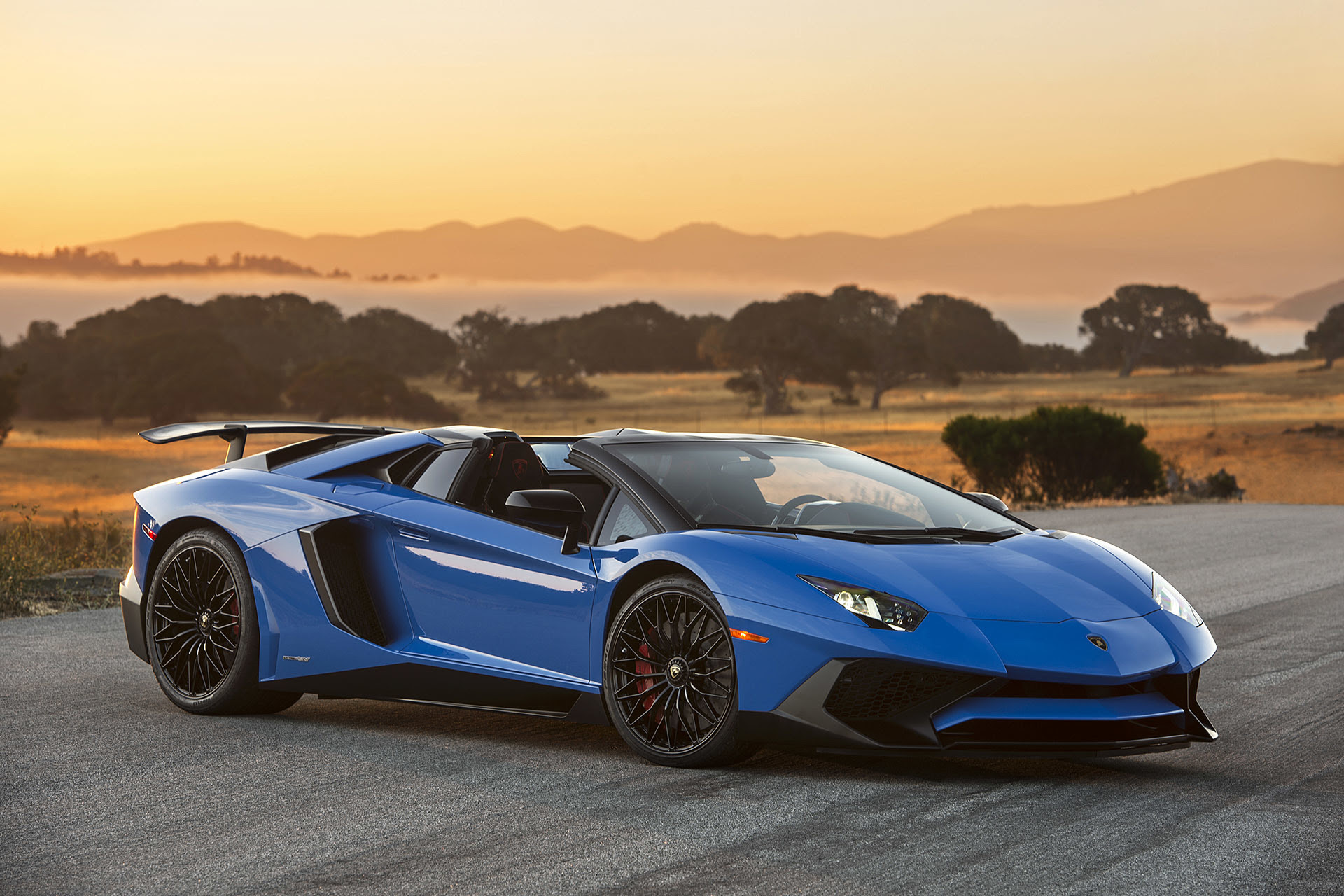 Lamborghini Aventador Lp750 4 Sv Roadster Photo Gallery Autoblog