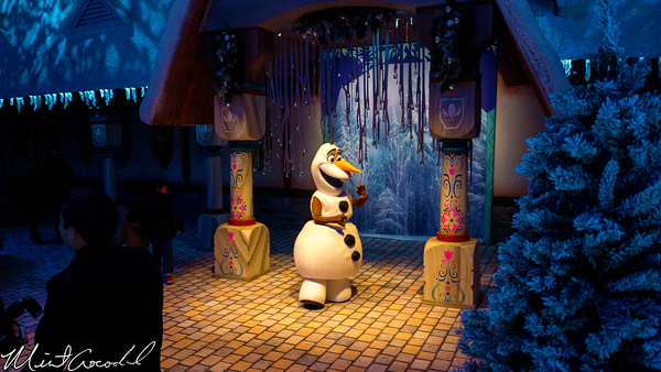 Disneyland Resort, Disney California Adventure, Hollywood Land, Christmas Time, Christmas, Time, Frozen, Frozen Fun, Olaf, Snow, Anna, Elsa