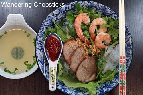 Hu Tieu Saigon (Vietnamese Clear Noodle Barbecued Pork and Shrimp Soup) 3